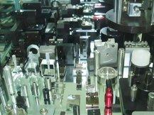 位移平台应用案例:设备冶具